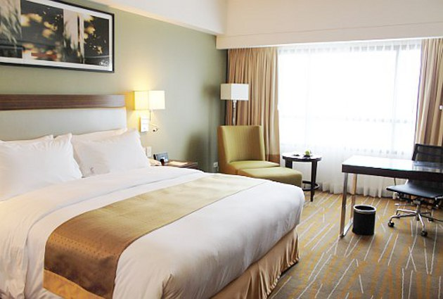 Holiday Inn & Suites Opens in Makati, Welcomes Families and Corporate Crowd