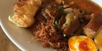 Eat of the Week: Sarsa's New Adobo Wants Your Full Attention