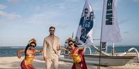 Chris Hemsworth Meets Fans in Bali for 'Men in Black: International'