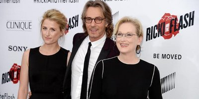 Rock Legend Rick Springfield in Ricki and the Flash