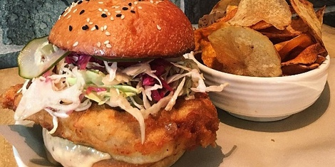 Alley Restaurant: Serving Fine Sandwiches and Comfort Bites at The Grove