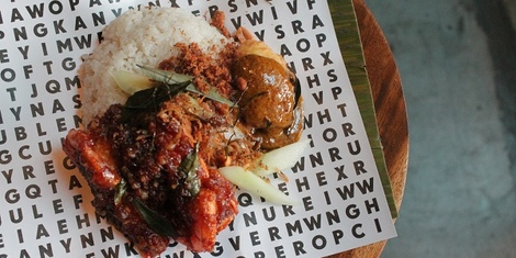 Nasi Lemak and Roti Prata Stall 'Any Any' Opens at Hole In The Wall, Century City Mall