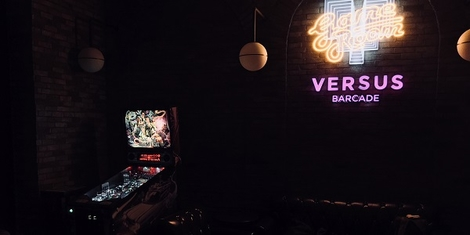 'Versus Barcade' Lets You Play Old School Arcade Games (and Enjoy Food and Drink, Too)