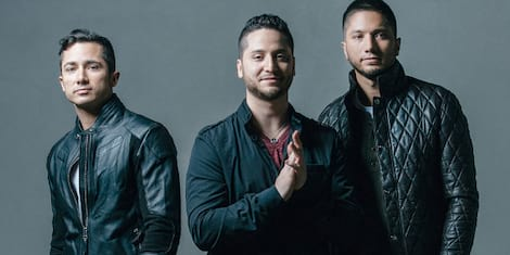 Breaking News: Boyce Avenue with Moira at The Big Dome