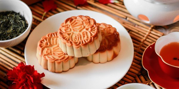 Edsa Shangri-La's Legendary White Lotus Mooncakes