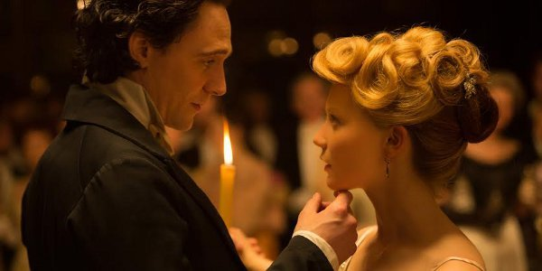 Visionary Director Takes You to the Haunted World of Crimson Peak