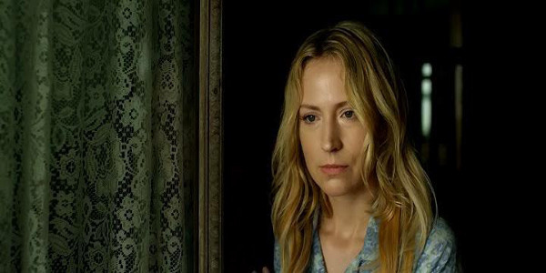 TNT's Leverage Actress Beth Riesgraf Talks 'Intruders'