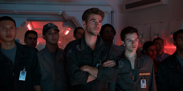 """Full-Throttle Defense against Aliens in """"Independence Day: Resurgence"""" on June 22"""