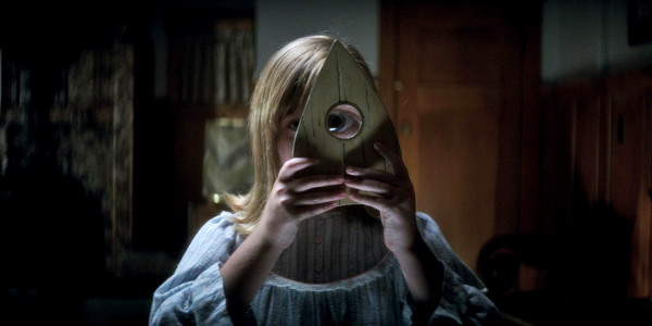 Scam Invites Dark Spirits in First 'Ouija: Origin of Evil' Trailer