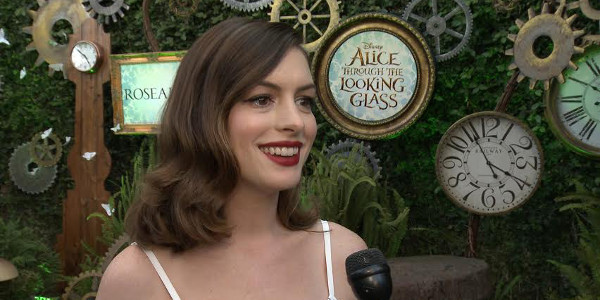 Q&A with Anne Hathaway for Alice Through the Looking Glass