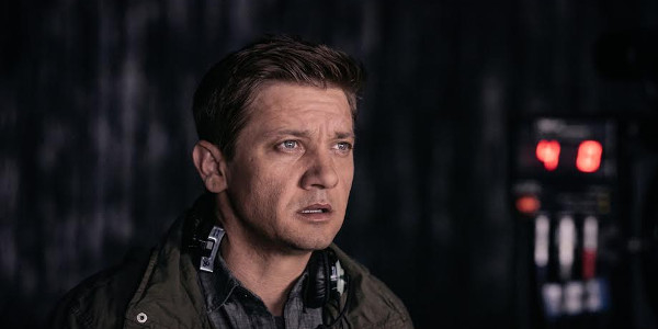 "Jeremy Renner, a Man of Science, Substance in ""Arrival"""