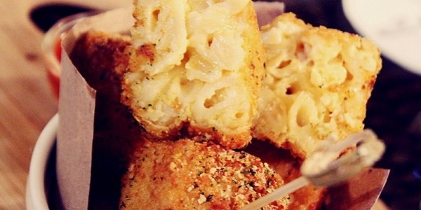 Eat of the Week: Mac and Cheese served in Cubes, a Prelude to your Steak Night in Baguio