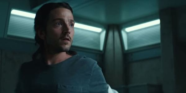 Diego Luna Flirts with the Afterlife in Flatliners