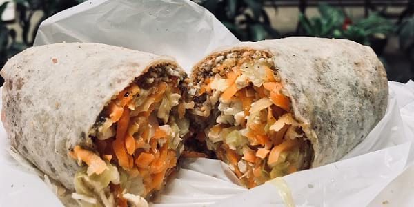 Eat of the Week: This 60-Peso Lumpia in Binondo, One of Chinatown's Many Cheap Thrills