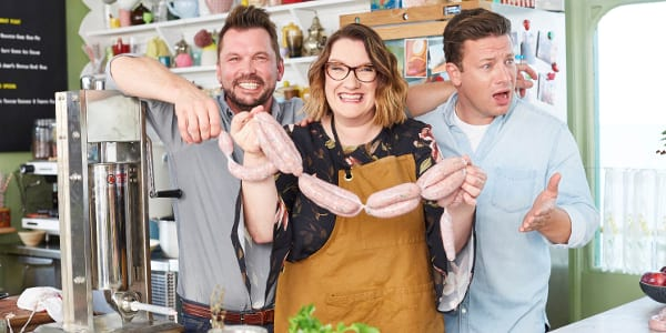 Celebrities dish out delectable meals in the all-new season  of Jamie and Jimmy's Food Fight Club on TLC