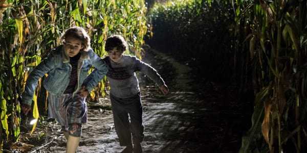 "A New Kind of Horror-Thriller Astounds in ""A Quiet Place"""