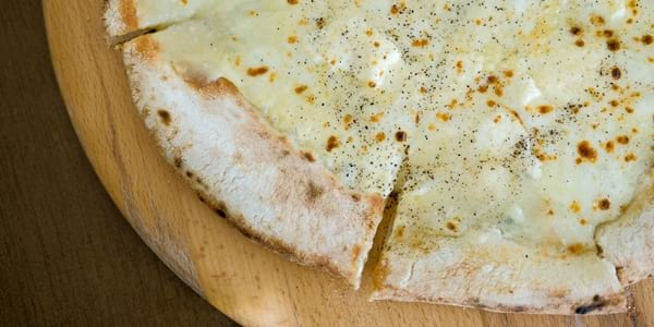 Eat of the Week: Brezza's Quattro Formaggi Cooked Within A Minute!