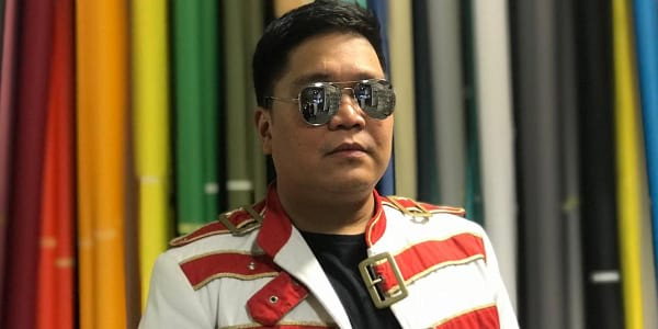 """Read more about the article WATCH: Jugs Jugueta in a Rare Queen Experience in """"Bohemian Rhapsody"""" Music Video"""