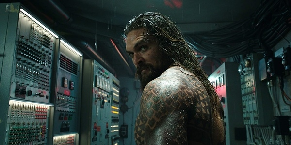 A Tidal Wave of Fun: a Review of 'Aquaman'