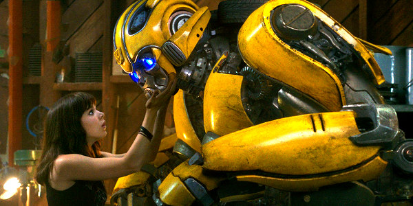 Hailee Steinfeld Befriends, Protects Bumblebee in Coming-of-Age Story