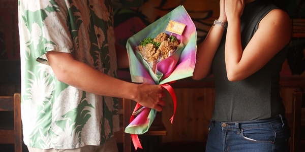 Choose This Fried Chicken Bouquet Over Flowers for Your Girl This V-Day