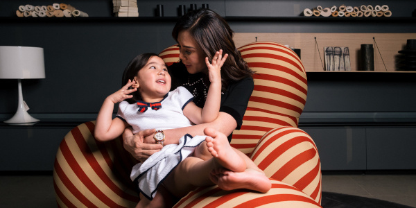 Read more about the article B&B Italia taps Vicki Belo and Scarlet Snow for Iconic Serie Up Armchair