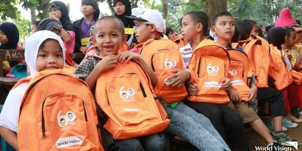 Inspire Dreamers through Back-to-School Kits