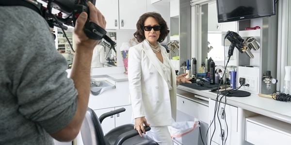 Check Out this 'Insatiable' Behind-the-Scenes Clip Featuring Gloria Diaz!