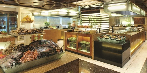 Celebrate the Holiday Season with New World Manila Bay's Delicious Offerings