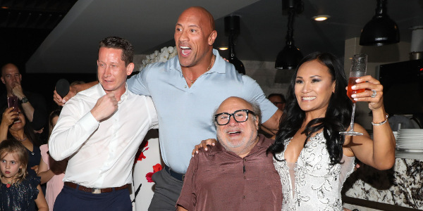 Read more about the article 'Jumanji: The Next Level' Stars Johnson and DeVito Crash a Real Wedding