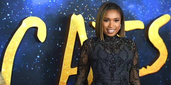 Jennifer Hudson's Grizabella Sings 'Memory' For The Musical Film 'Cats'