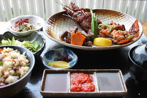 Teppan Lobster Gozen (P1,800): set with appetizers, salad, lobster, US beef steak (150g), fried rice, miso soup, pickles, and desserts