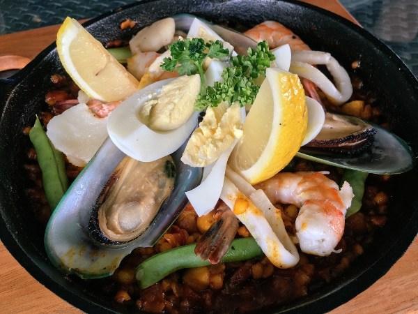 Adlai Seafood Paella