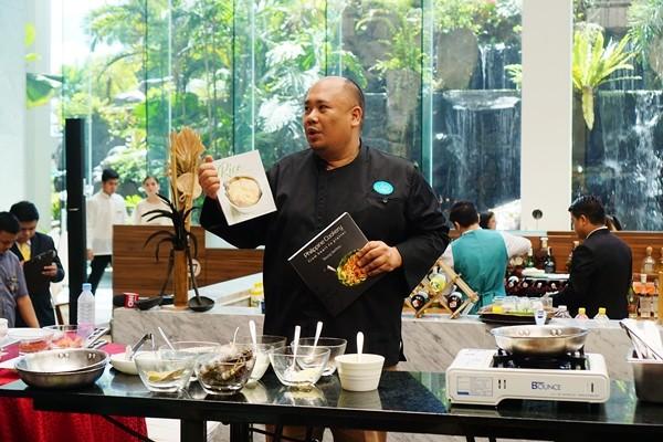 Corniche Diamond Hotel Filipino Food Buffet Chef Tatung Sarthou