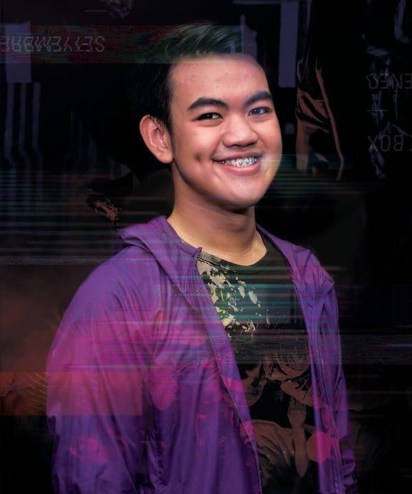 Lucas Abaya as Miro