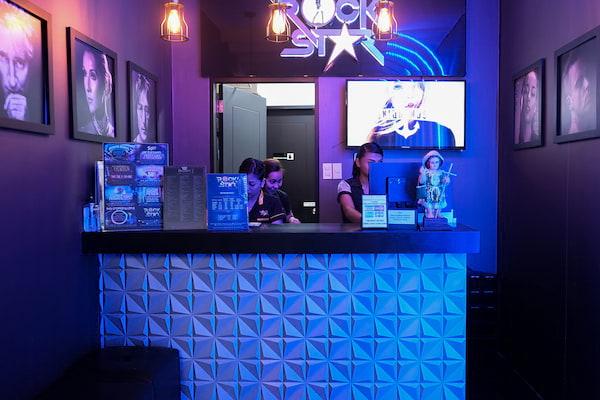 Rockstar KTV (SM Aura Premier, Taguig, Metro Manila - bar