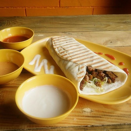 Thats a wrap 9 shawarma places in manila for mouthwatering middle beef shawarma rice p125 the chicken shawarma plate p150 and beef shawarma plate p170 come with arabic fries sauces and pita bread forumfinder Images
