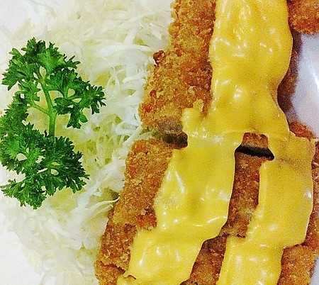 The Hungry Guide: San Antonio Village, Makati Food and