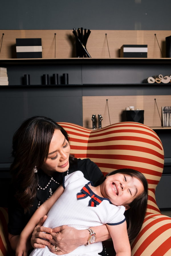 B&B Italia Serie Up with Vicki Belo and Scarlet Snow