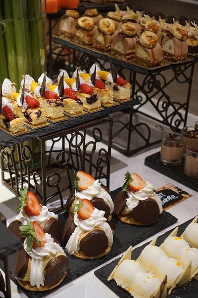 Slay The Buffet The Pantry Dusit Thani Metro Manila