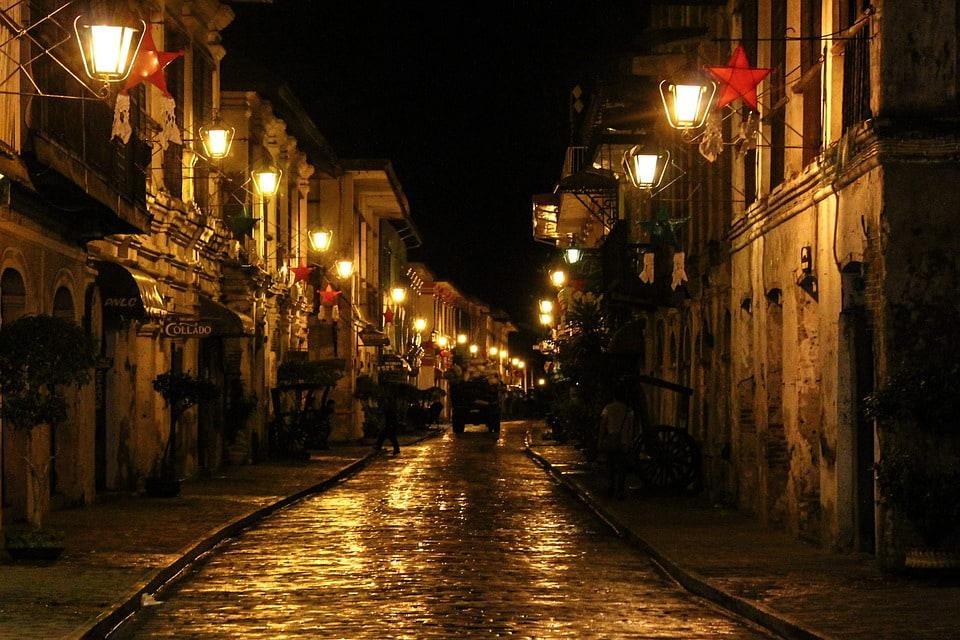 Calle Crisologo, Street Lamp, Street Lights, Night View