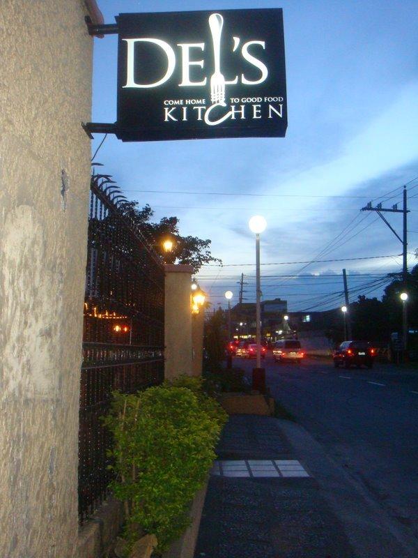 Del S Kitchen Bf Homes Paranaque Metro Manila Cakes Pastries Comfort Food Fusion Restaurant P200 P499 Clickthecity Food Drink