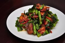 Phad Pla Kao Tou - Sweet and Spicy Crispy Fish with Long Beans