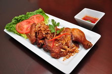 Gai Thod - Fried Chicken with Crispy Shallots and Sweet Chili Sauce