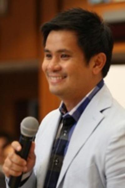 Hinggil sa Malikhaing Pagsulat ng Tula sa Filipino - Ars