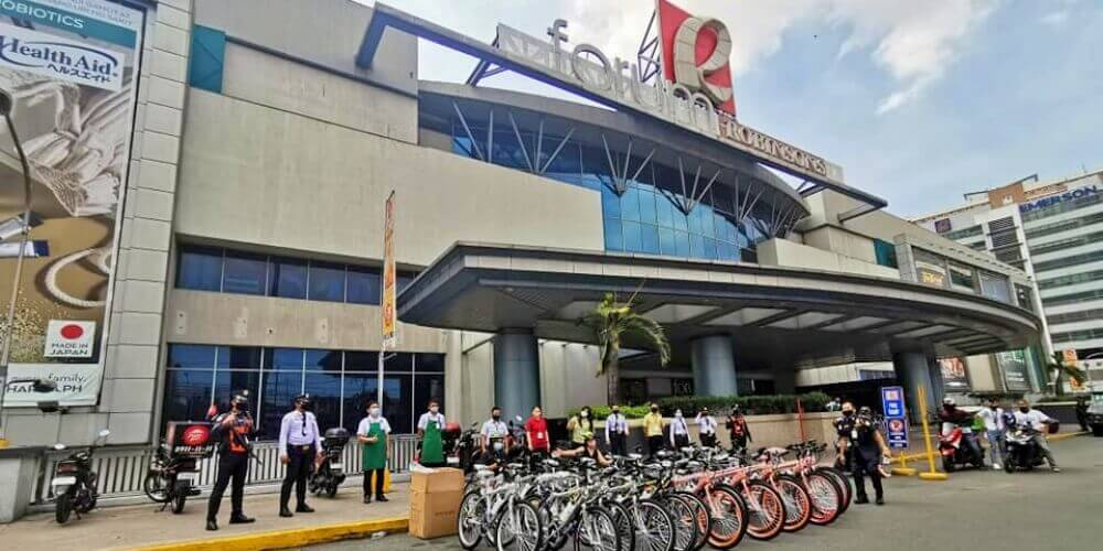Frontliners of Robinsons Malls Receive Bikes From Life Cycles PH