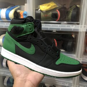 "Air Jordan 1 High OG ""Pine Green 2.0"""