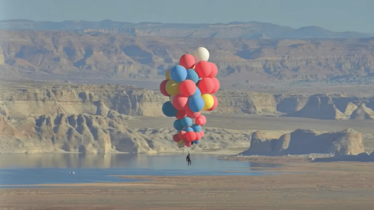 David Blaine Floats Thousands of Feet by Hanging Onto Balloons