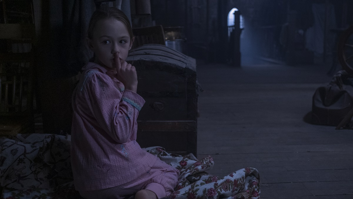 Of Love Stories And Ghosts An Interview With The Haunting Of Bly Manor Stars Victoria Pedretti And Henry Thomas