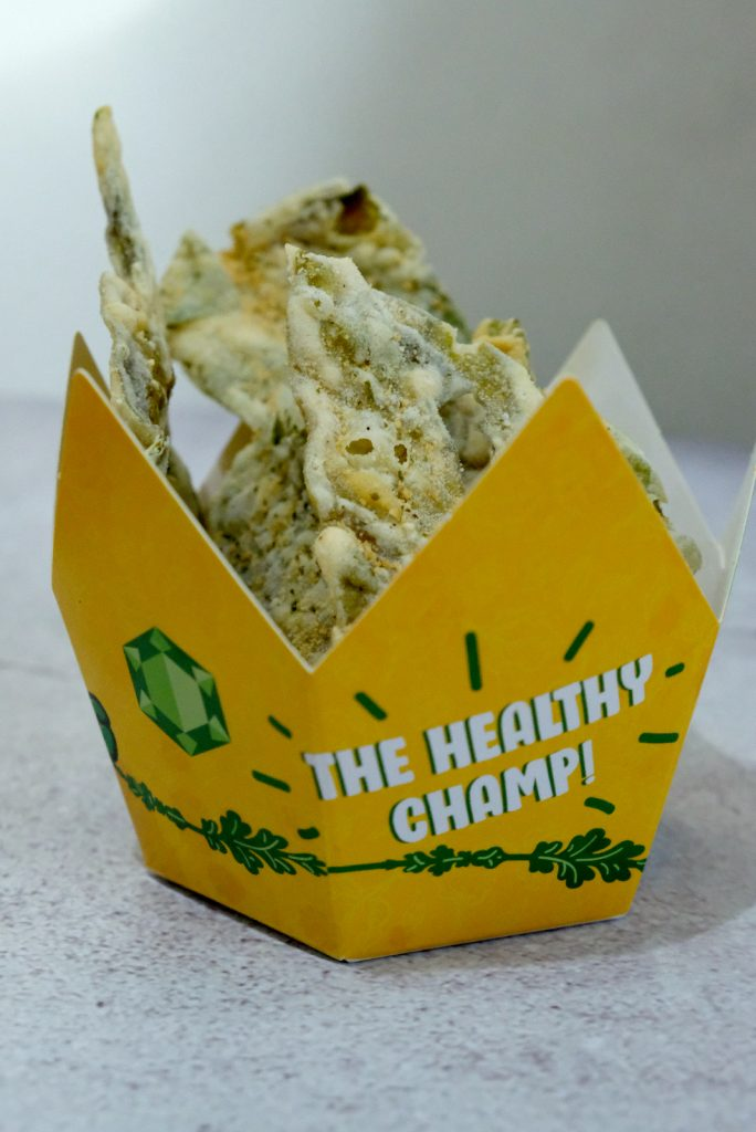 Just like flavored fries, Kangkong King is available in different sizes in their crown-shaped container.